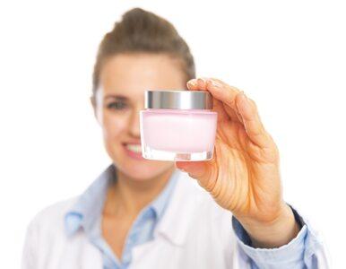 Mocznik w kosmetykach: jak działa i kto może go stosować?