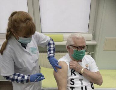 """Wałęsa opisał objawy po szczepieniu. """"Mdłości, skurcze nóg"""""""