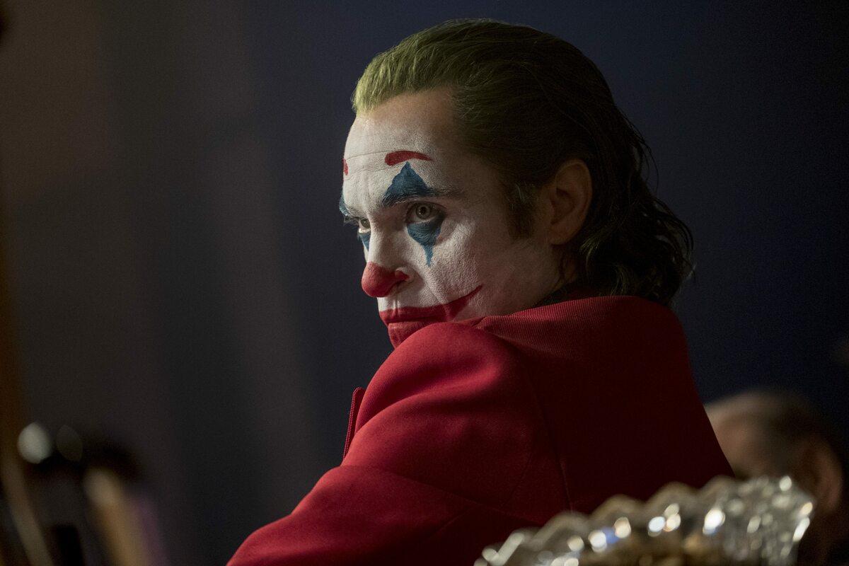 "Joaquin Phoenix jako Joker (fot. Nico Tavernise) Joaquin Phoenix w filmie ""Joker"" Todda Phillipsa"