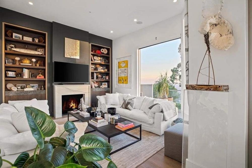 Dom w Los Angeles wystawiony na sprzedaż przez Nicole Scherzinger