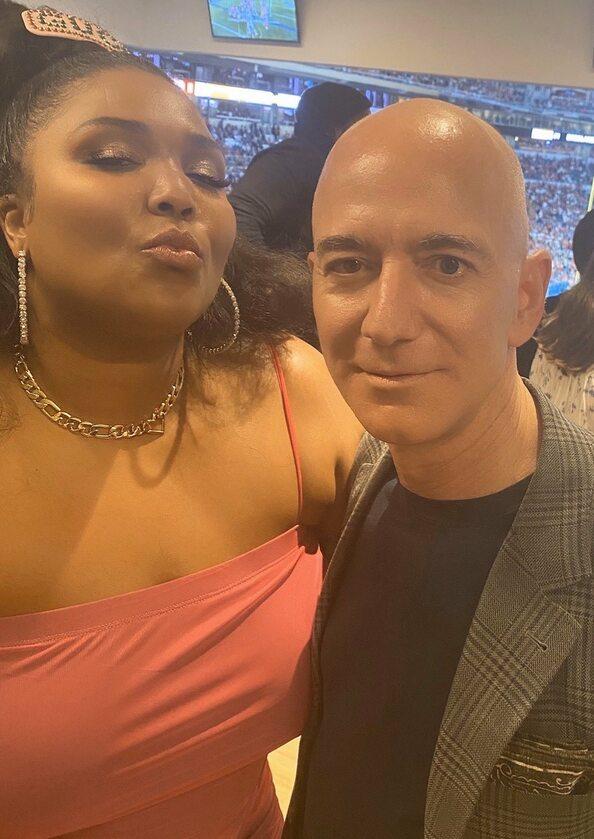 Lizzo i Jeff Bezos