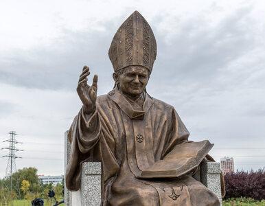 """Dzieci miały pisać SMS-y do Jana Pawła II. """"Odpowiadam, to nie fejk"""""""