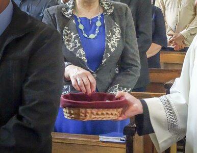 """Ile pieniędzy zostawili Polacy w kościelnych ofiaromatach? """"Ten trend..."""