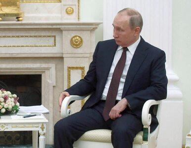 """Jeden szczegół wywołał spekulacje o stanie zdrowia Putina. """"Zwróćcie..."""
