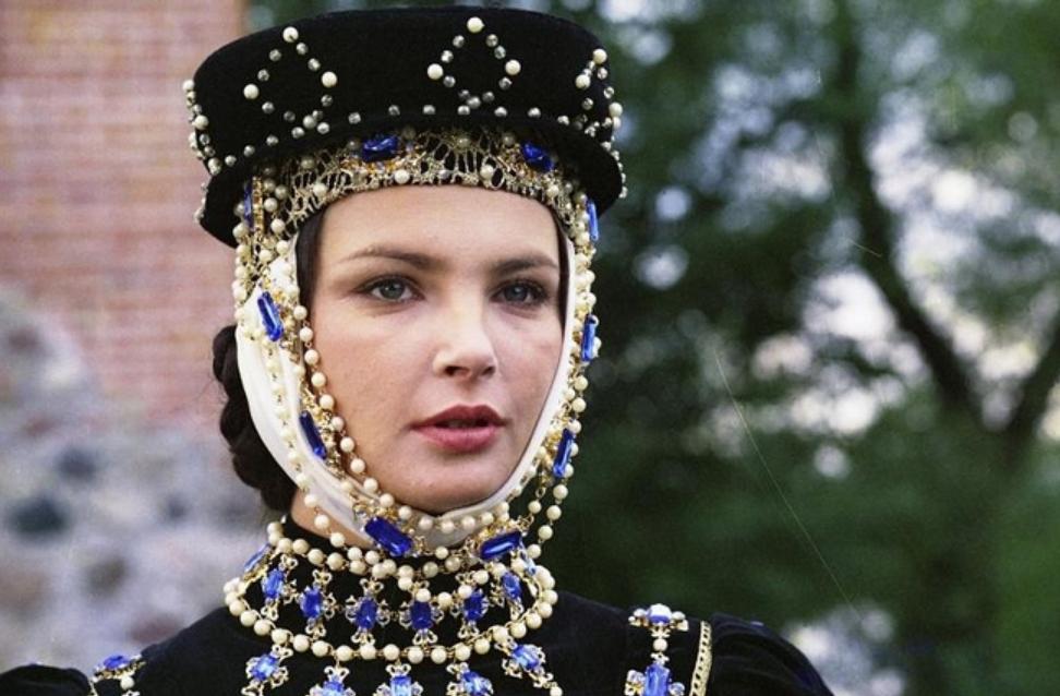 """Anna Dymna w filmie """"Epitafium dla Barbary Radziwiłłówny"""" (1982)"""
