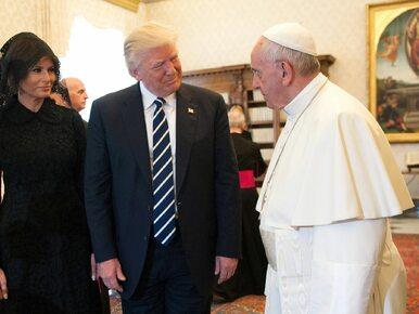 """""""Czym go karmisz?"""" Franciszek zaskakuje żonę Trumpa, a świat poznaje......"""