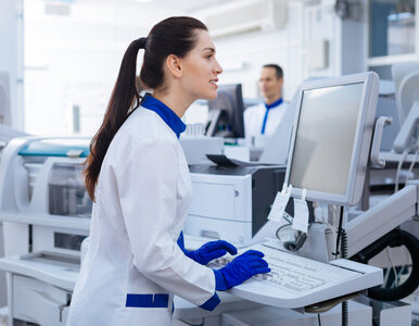 Towarzystwo epidemiologów: Zwłoka w szczepieniach na SARS-CoV-2 to setki...
