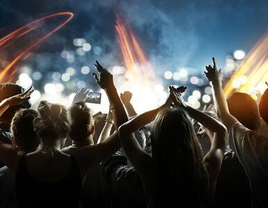 Rząd wprowadza żółtą strefę, więc przełożyli koncert na piątek. Muzycy...