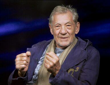 81-letni Ian McKellen, filmowy Gandalf, zaszczepił się na COVID-19....