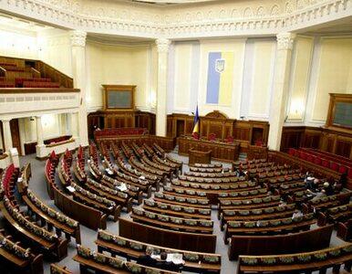 Niespokojnie na Ukrainie. Zablokowana mównica w Radzie, krwawe starcia...