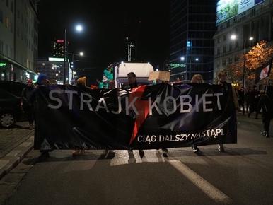 Fiasko demonstracji Strajku Kobiet. Naproteście pojawiło się...