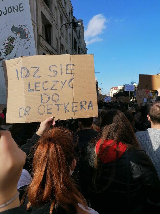 Hasła z protestu w Łodzi