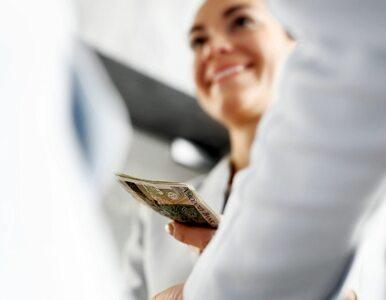 Związkowcy do rządu: Podnieście płacę minimalną do 3000 zł, jak...