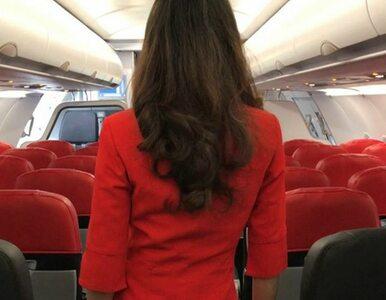 Parlament zajmuje się strojami stewardess. Zdaniem krytyków, są one zbyt...