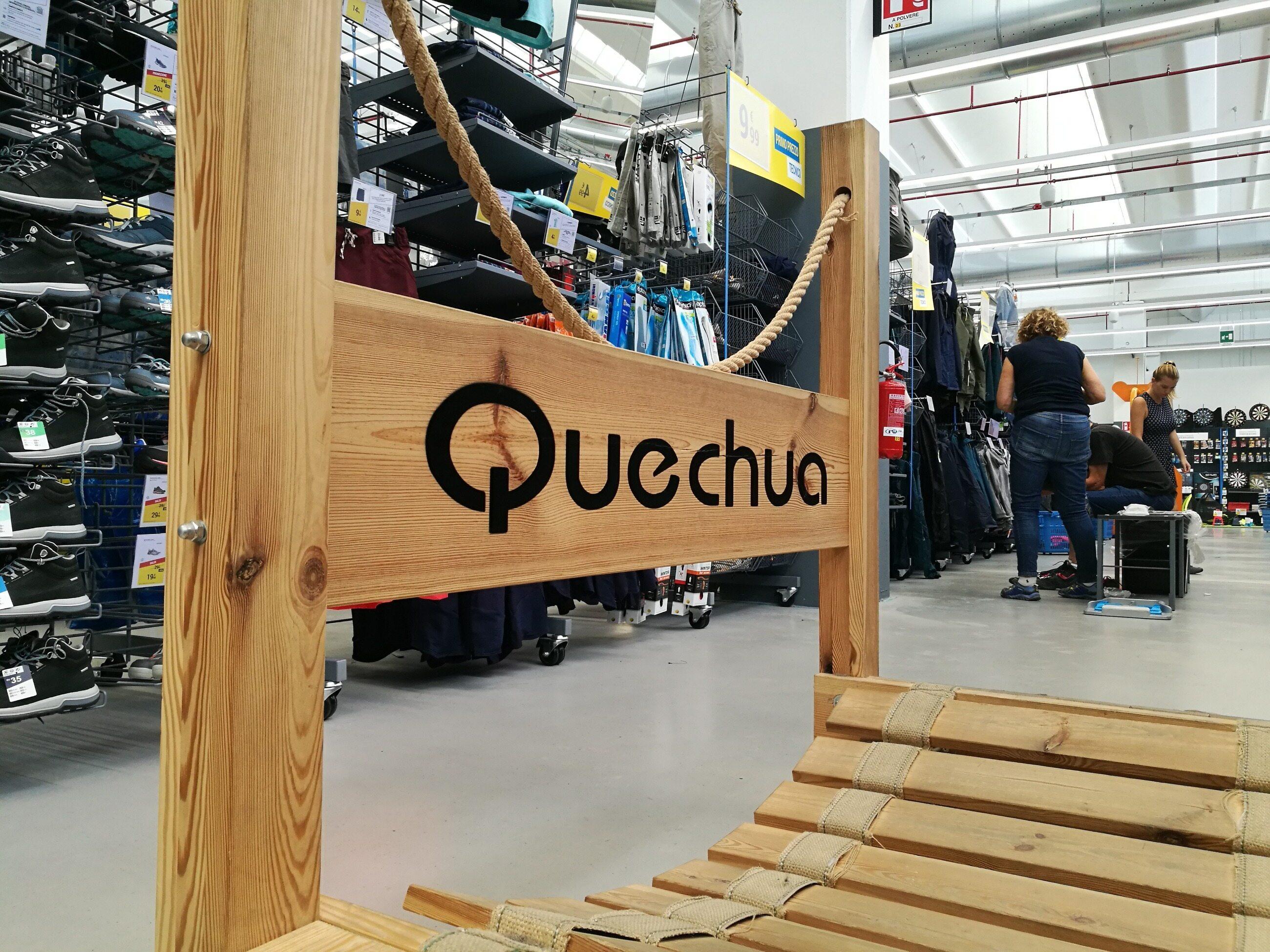 Wybierasz się w góry? Szukasz specjalnych butów albo namiotu? Na pewno natrafisz na markę Quechua, czyli: