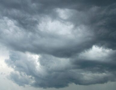 Noc pochmurna i deszczowa. Uwaga na marznący deszcz. Jutro podobnie