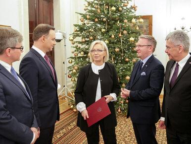 Prezydent przedstawia zalety Przyłębskiej: Jest młoda, uczciwa i umie...