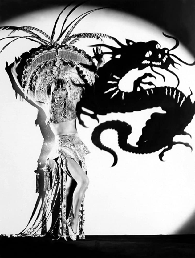 """Anna May Wong w filmie """"Daughter of the Dragon"""" (1931)"""