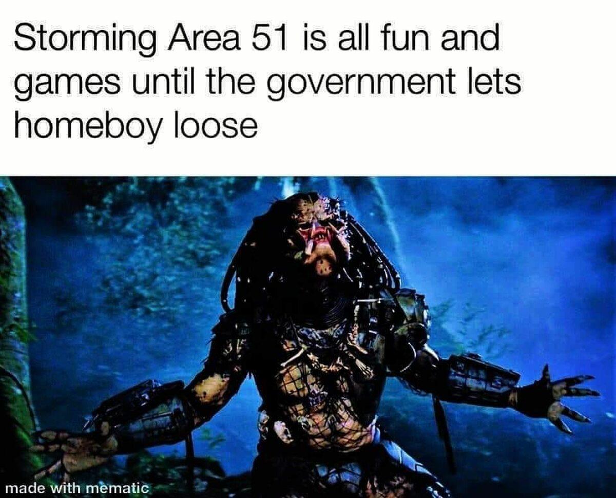 Mem komentujący szturm na Strefę 51