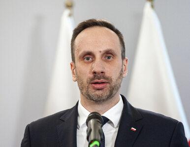 """Janusz Kowalski zmienił zdanie i się zaszczepił. """"Przekonał mnie Pazura"""""""