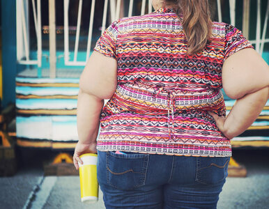Nowe badania sprawdzają, czy uważność może pomóc w walce z otyłością