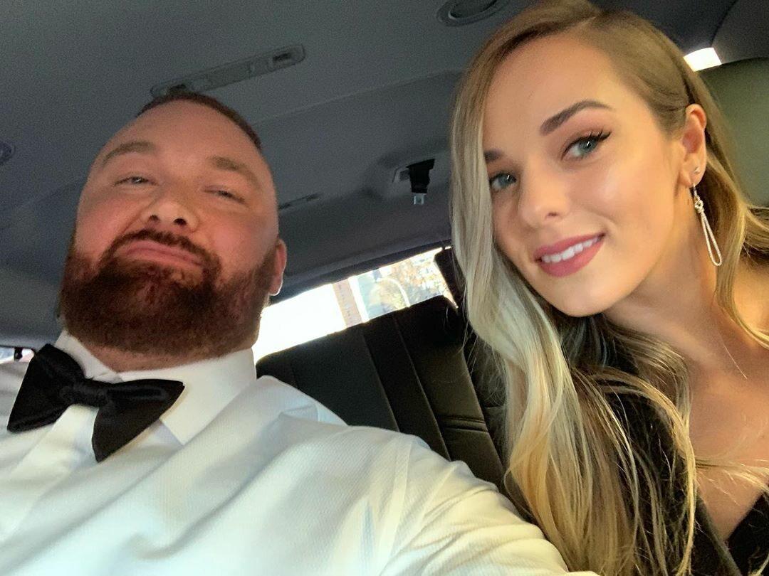 Hafþór Júlíus Björnsson i Kelsey Henson
