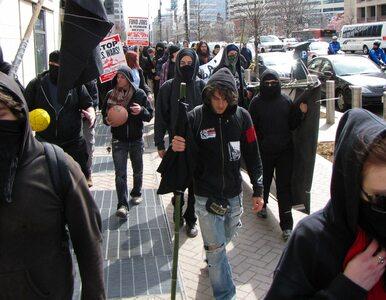 """Antyglobaliści ze """"SmashG20"""" przyznali się do spalenia 8 wozów policji...."""