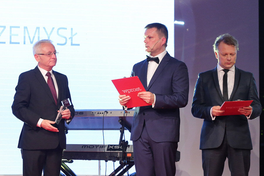 """Innowatory """"Wprost"""" 2015 Gala była zwieńczeniem V edycji rankingu najbardziej innowacyjnych polskich przedsiębiorstw prowadzonego przez tygodnik """"Wprost"""" od 2011 r. Statuetki INNOWATORÓW trafiają do najlepszych firm w najbardziej dynamicznych sektorach gospodarki. Sektory te to:"""