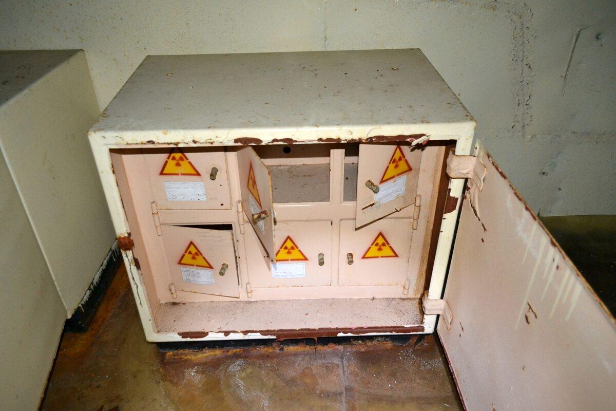 Wnętrze zakładów Jupiter W zakładach Jupiter produkowano m.in. radioodbiorniki, pracowano tam też nad różnymi projektami dla wojska