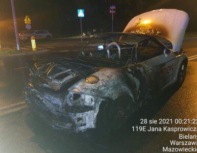 Warszawa. Sportowy samochód spłonął na ulicy. Dzień wcześniej trafił do...