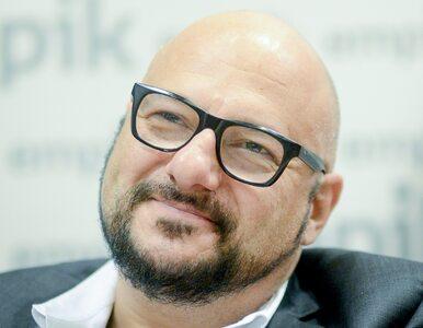 """Gąsowski parodiuje scenę z """"Misia"""" i wbija szpilę Kammelowi. Aktor..."""