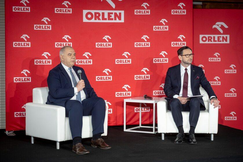 Jacek Sasin, wicepremier, minister aktywów państwowych, i Daniel Objatek, prezes zarządu PKN ORLEN