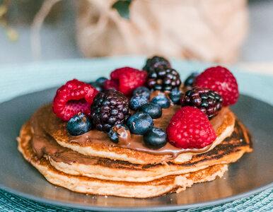 Pancakes: amerykańskie naleśniki, które kochają (niemal) wszyscy. Pyszne...