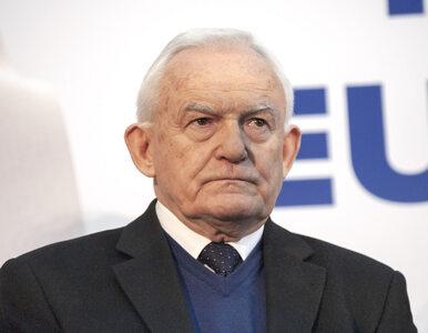 Były premier o Lex TVN: Kaczyński może posunąć się daleko, ale nie...
