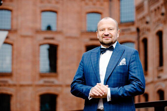 Wojciech Orzechowski, , przedsiębiorca, inwestor, deweloper, autor książek, twórca warsztatów inwestowania wnieruchomości WIWN.PL