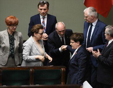 Polityka dzieli Polaków. Ten sondaż to udowadnia