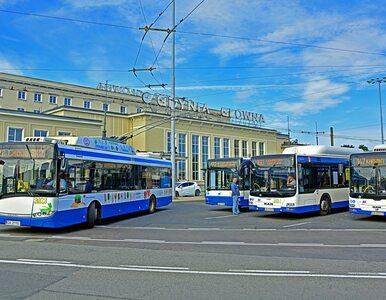 Kolej na PKS-y. Ministerstwo planuje przerzucić spółki transportowe pod...