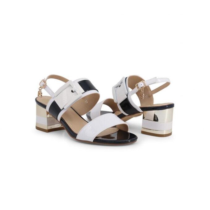 Laura Biagiotti – stylowe sandały nasłupku