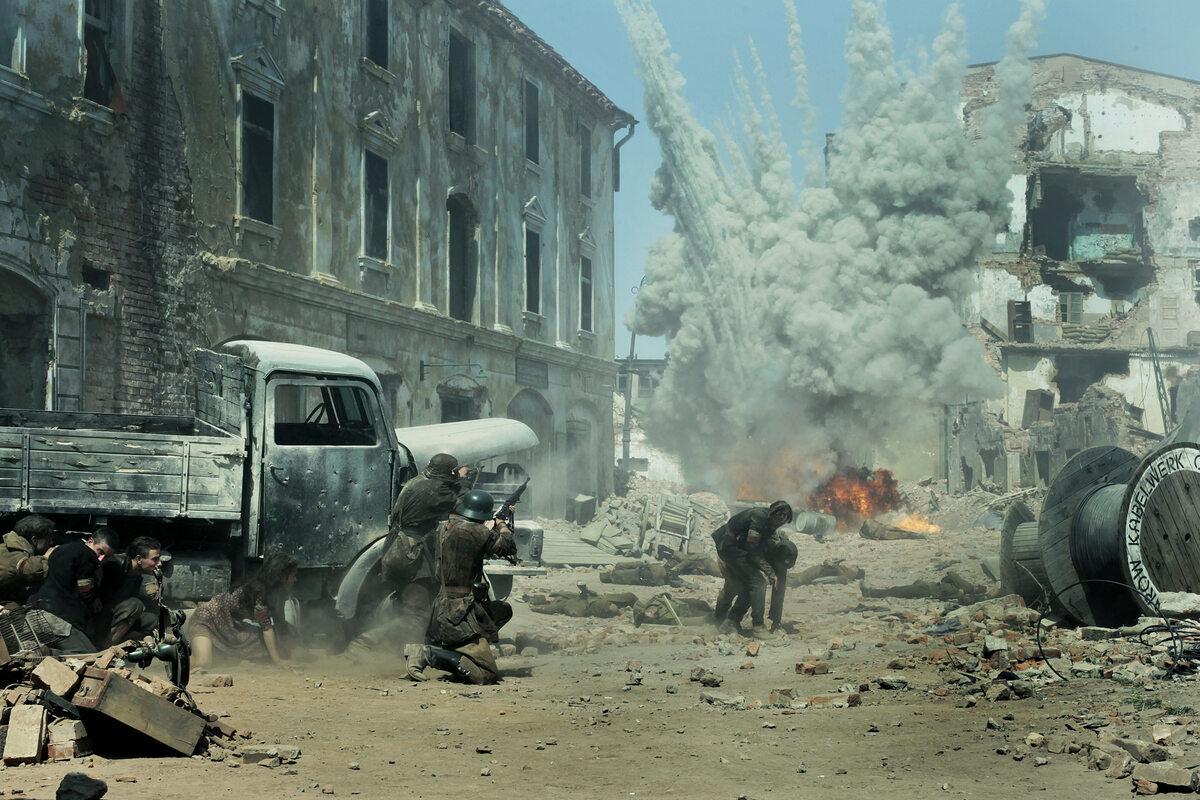"Kadr z filmu ""Miasto 44"" (2014)"