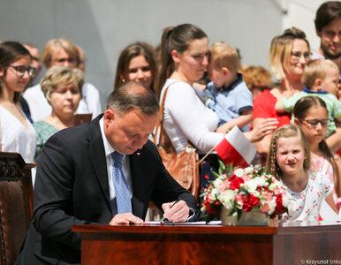 Andrzej Duda podpisał projekt zmiany w konstytucji. Chodzi o adopcję...