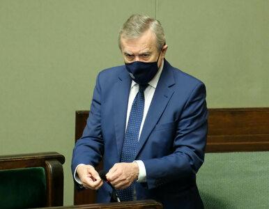 Piotr Gliński podlicza zarobki Donalda Tuska. Zestawia go przy tym z......