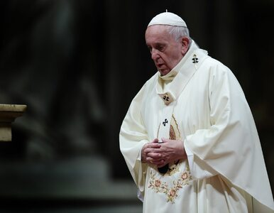 Incydent w Watykanie. Wierna ciągnęła Franciszka, ten uderzył ją w dłoń