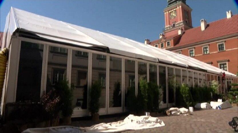 Namiot, w którym odbędzie się Zgromadzenie Narodowe