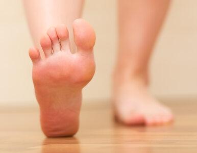 Masz swędzące stopy? Oto, co może być powodem świądu