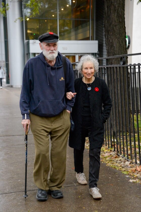 """Kadr z filmu """"Margaret Atwood. Słowo to siła"""""""