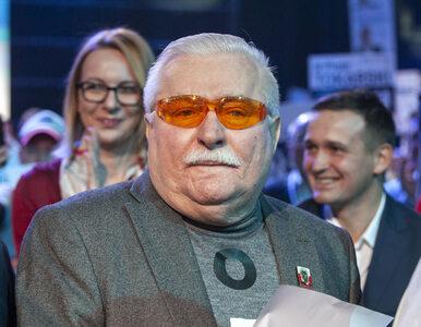 """Wałęsa zdradził skąd czerpie """"wiedzę"""" o UFO. Poleca film o """"przesłaniu..."""