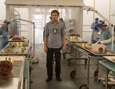 """Showtime potwierdza – serial """"Dexter"""" powraca! Czy Hall wróci do swojej..."""