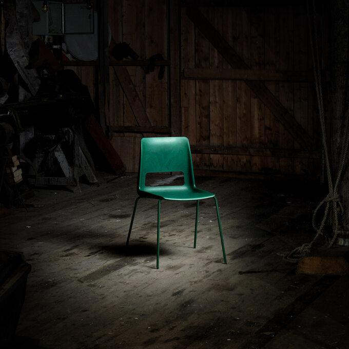 Krzesło zsieci rybackich