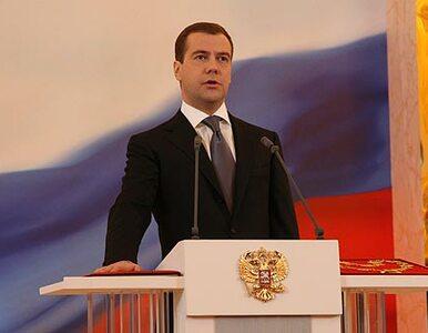 Miedwiediew: irański program nuklearny powinien być pokojowy