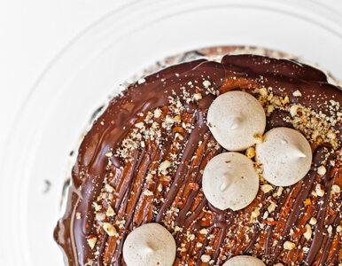 Nie masz czasu na pieczenie ciasta? To proste ciasto czekoladowe bez...